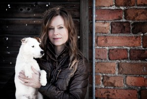 Helena Thorén med sin hund Smilla Foto Janne Danielsson