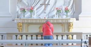 Adolf-Fredrik-kyrka-maj-2013-ber-vid-altaret