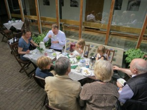 Dopfika Familjen Eckhardt Årsta kyrka 20120526 lågupplöst